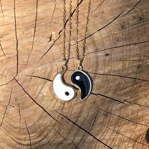 ☯️Artisan Yin Yang BFF/Couple Necklaces!🤍🖤